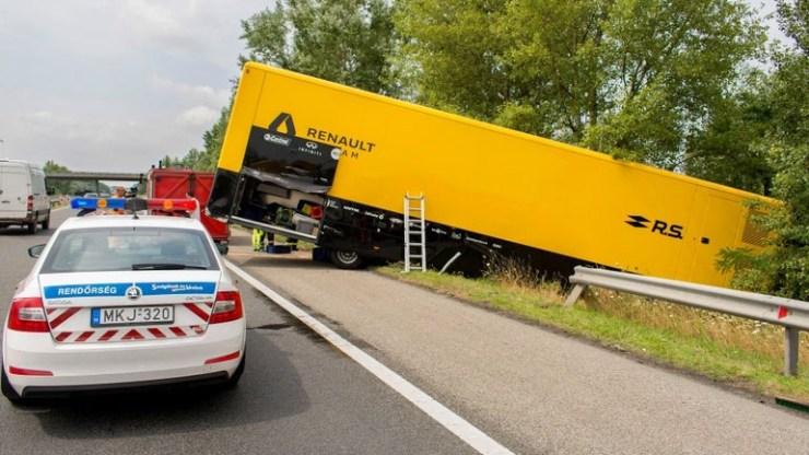 Ατύχημα για το φορτηγό της Renault F1