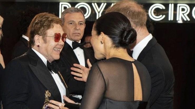 Ο Elton John υπερασπίζεται Harry και Μeghan μετά την αρνητική κριτική που δέχθηκαν