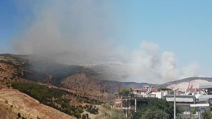 Οριοθετήθηκε η πυρκαγιά στον περιφερειακό του Αιγάλεω