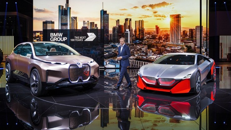 Η BMW προβλέπει πως το 25% των οχημάτων θα είναι ηλεκτρικά σε Ευρώπη και ΗΠΑ