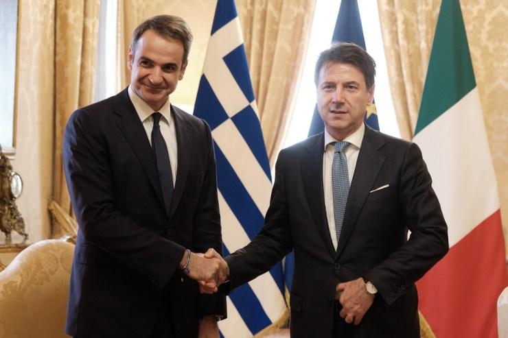 Συμφωνία συνεργασίας στον τομέα της ενέργειας υπέγραψαν Μητσοτάκης- Κόντε