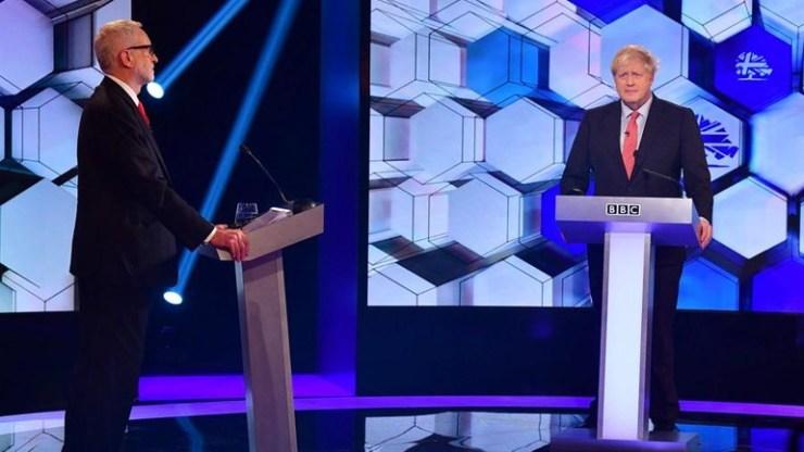 Βρετανία: Τζόνσον και Κόρμπιν «διασταύρωσαν τα ξίφη τους» στο τελευταίο ντιμπέιτ πριν τις εκλογές