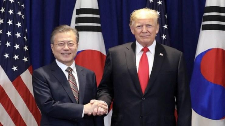Συνάντηση Τραμπ με τον νοτιοκορεάτη Μουν Τζε-ιν για την αποπυρηνικοποίηση της Βόρειας Κορέας