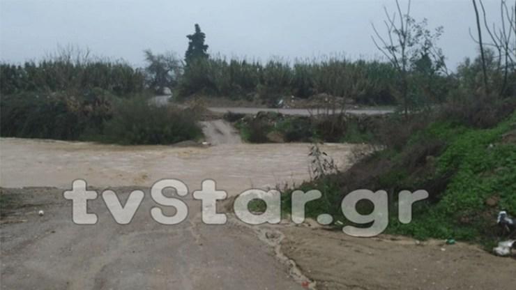 Εκκένωση οικισμών λόγω υπερχείλισης ποταμού στη Χαλκίδα - Σε επιφυλακή οι Αρχές