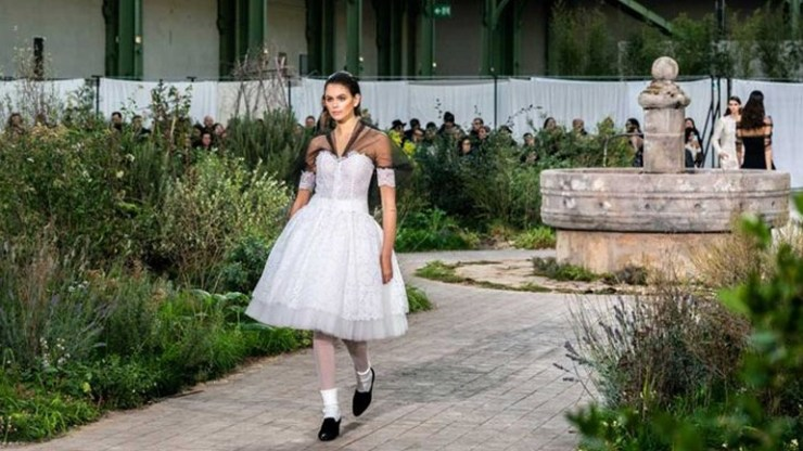 Chanel Haute Couture S/S 2020: Αφιερωμένη στα εφηβικά χρόνια της Coco η νέα κολεξιόν!