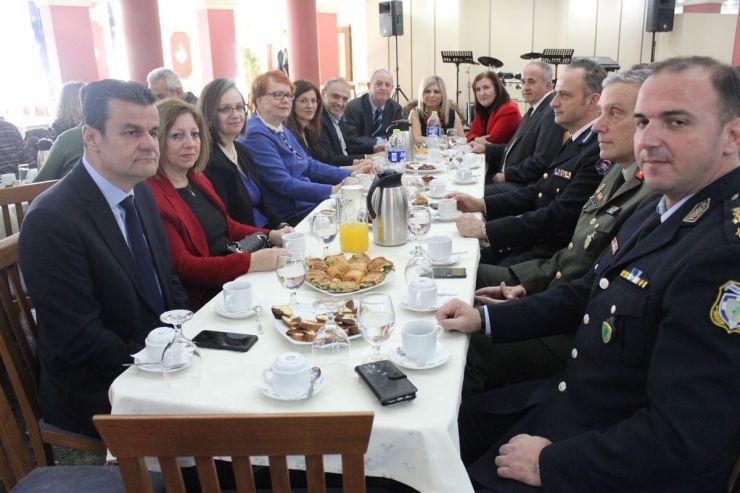Δεξίωση από την Περιφερειακή Διεύθυνση Εκπαίδευσης στην Λέσχη Αξιωματικών Λάρισας για την γιορτή των Τριών Ιεραρχών (φωτο)
