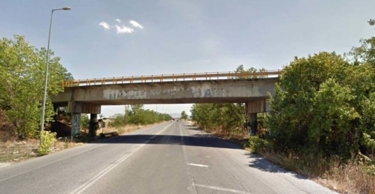 Γκρεμίζεται η ιστορική αερογέφυρα στον «κόμβο της Βιοκαρπέτ» - Δείτε γιατί