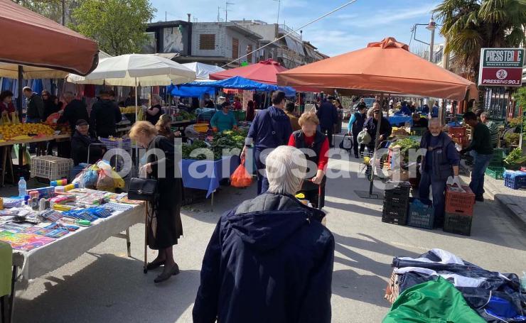 Δε βάζουμε μυαλό: Γεμάτη ηλικιωμένους η λαϊκή της Νεάπολης στη Λάρισα - Προβληματισμός στο δήμο Λαρισαίων (φωτό)