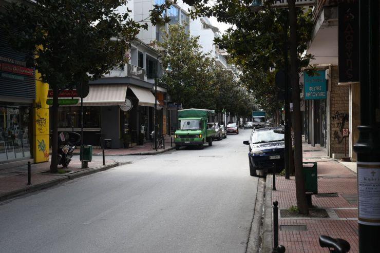 Ελάχιστη η κίνηση στη Λάρισα σήμερα - Όπως πρέπει η εικόνα στην πόλη (φωτορεπορτάζ)