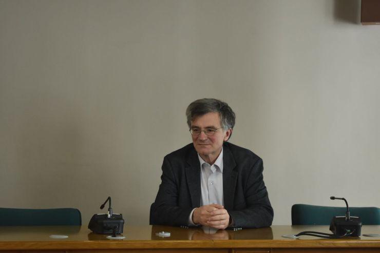 Στη Λάρισα Χαρδαλιάς και Τσιόδρας - Αυτή την ώρα η κρίσιμη σύσκεψη στην Περιφέρεια (φωτο)