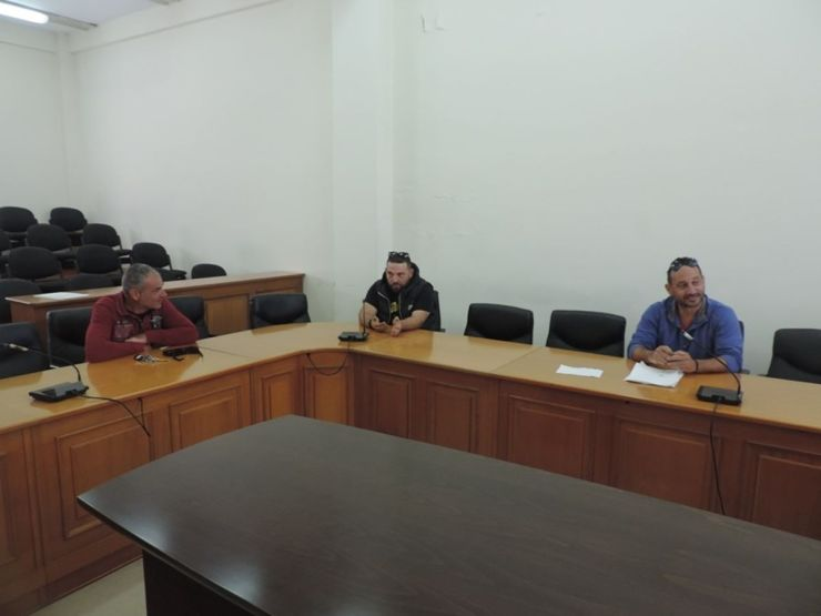 Με εκπροσώπους τοπικών παραγωγών της λαϊκής αγοράς των Φαρσάλων συναντήθηκε ο Μ. Εσκίογλου