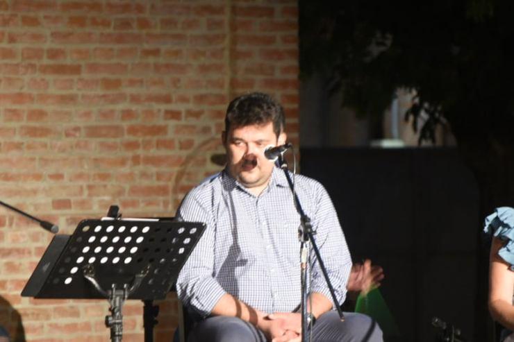 Συγκίνηση στο μουσικό αφιέρωμα για τον αδικοχαμένο Μάριο Σαρακατσιάνο στη Λάρισα (φωτο - βίντεο)