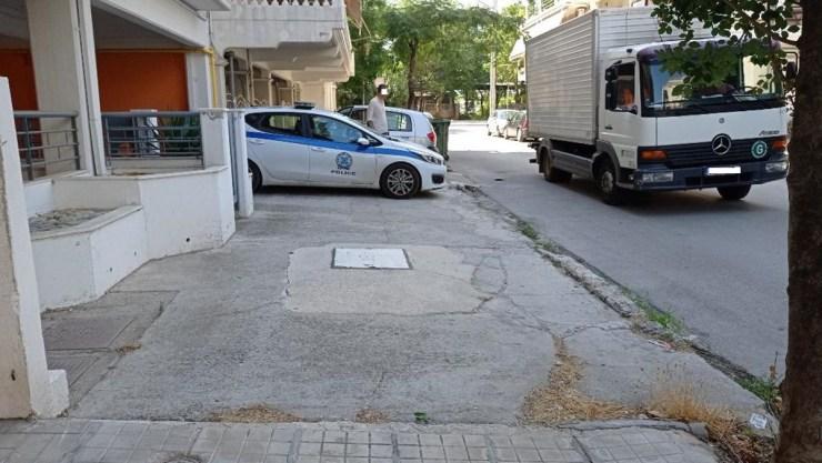 Σοκαριστικό περιστατικό στη Λάρισα: Γυναίκα έπεσε από τον τρίτο όροφο πολυκατοικίας - Δείτε φωτογραφίες