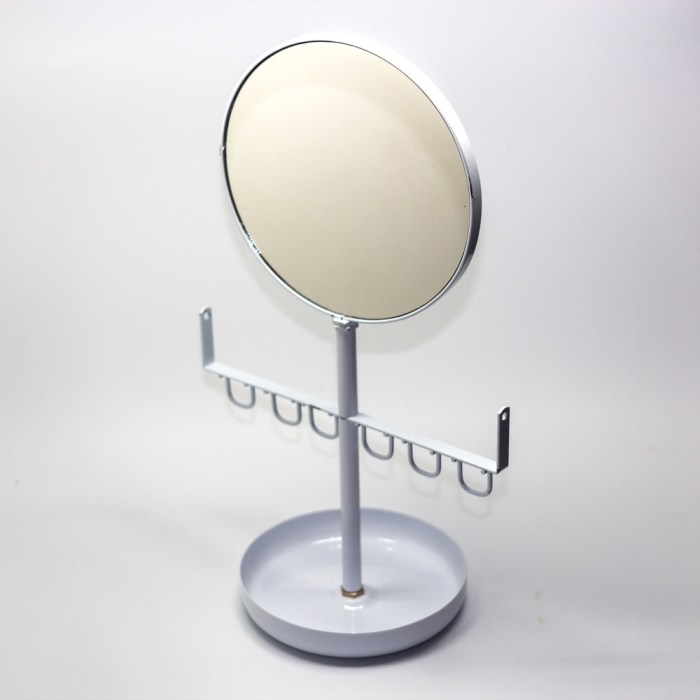 Hanging jewelry organizer tray with mirror