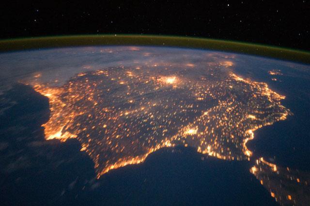 La contaminación lumínica… (o por qué ya no vemos las estrellas por las noches)