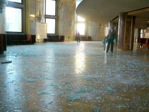 Así quedó el teatro de Cheliábinsk tras la explosión del bólido