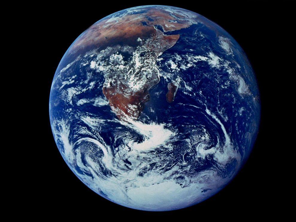 earth-full-view_6125_990x742