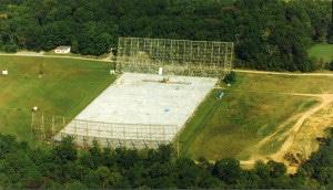 El radio observatorio Big Ear, antes de ser desmantelado.