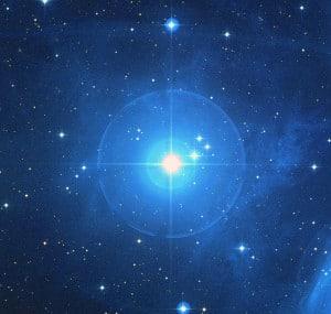 Alcione, una típica gigante azul. Crédito: NASA, ESA, AURA/Caltech, Palomar Observatory