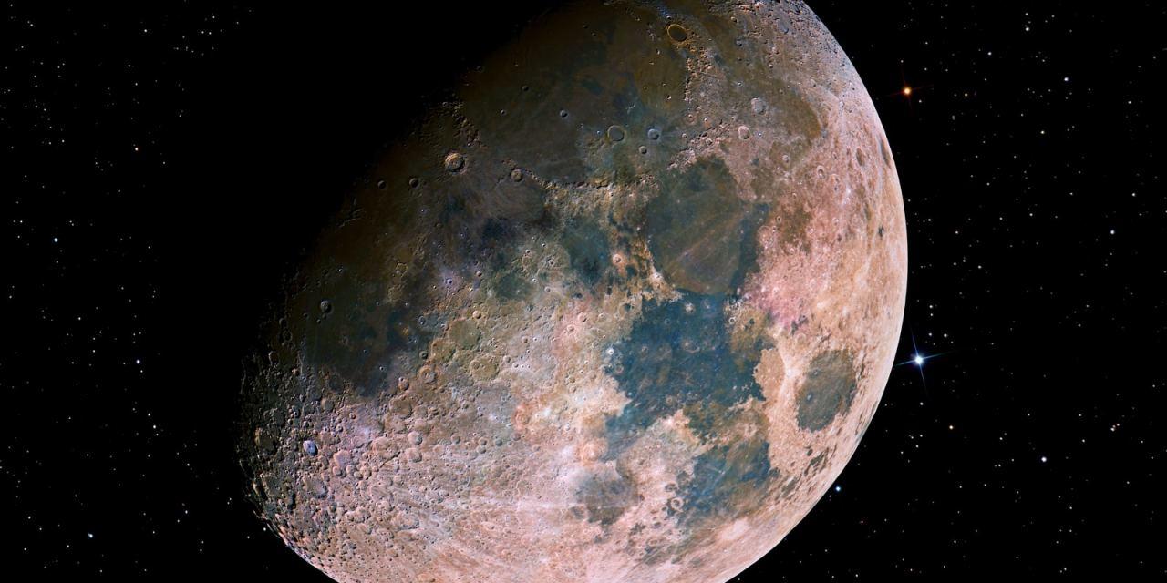 El auténtico color de la Luna