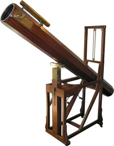 Réplica de un telescopio similar al que utilizó William Herschel para descubrir Urano. Crédito: Mike Young