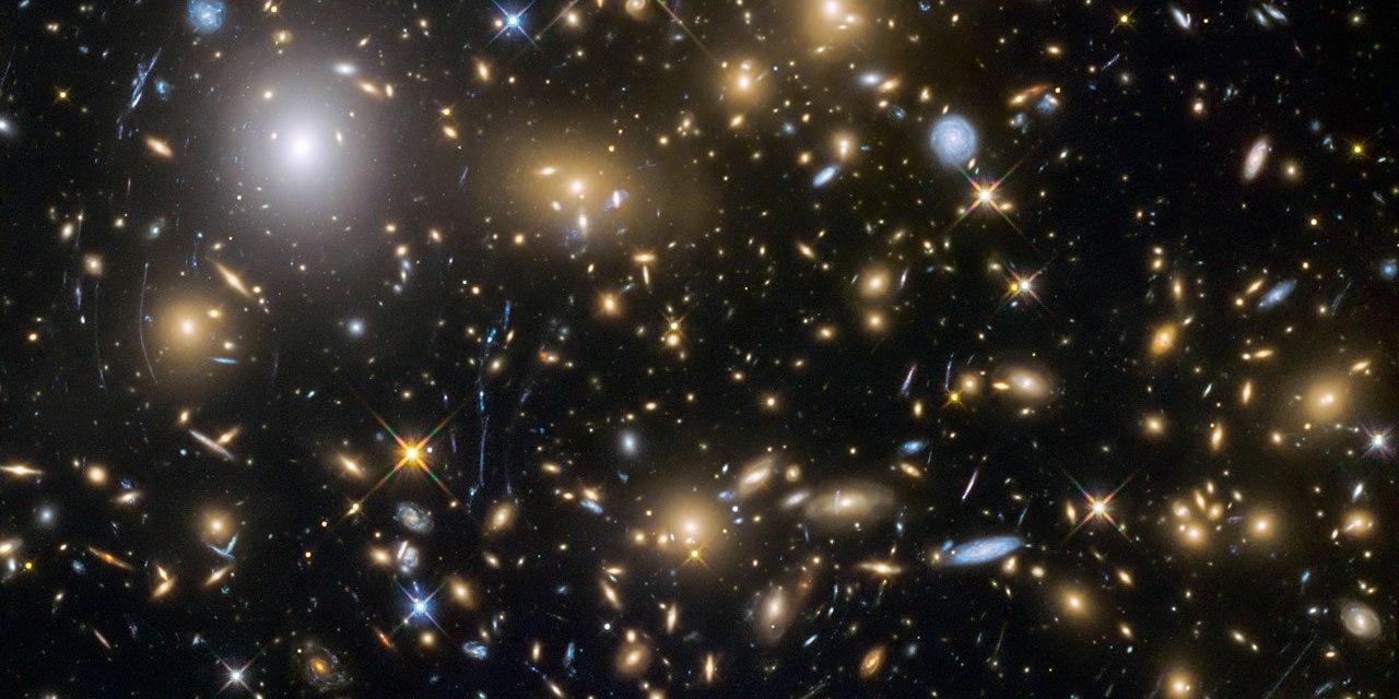 El universo podría ser cerrado (como una esfera)