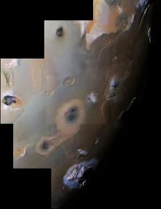 Este mosaico de imágenes, tomadas por la sonda Voyager 1, muestran el polo sur de Ío. Crédito: NASA