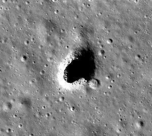 En la Colina Marius se han encontrado evidencias de un tubo de lava bajo sus superficie