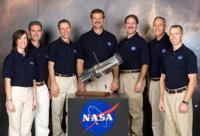 De bemanning van STS-125, die de Hubble gaan repareren
