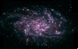 M33 in UV-licht door Swift gefotografeerd