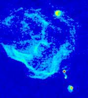 De moleculaire gaswolk Sagittarius B2, die een lichtecho van het centrale zwart gat laat zien