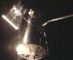 Atlantis heeft Hubble vastgeklemd