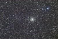 Bolvormige sterrenhoop M71 in het sterrenbeeld Pijl (Sagitta)