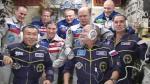 Drie astronauten brengen Olympische fakkel naar het ISS