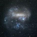 """Enorme """"brug"""" ontdekt tussen twee nabije sterrenstelsels"""