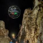 ESA-astronaut Parmitano verkent grot met botsende drone