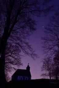 Sirius u zviježđu Velikog psa kod kapelice sv. Jakoba na Medvednici.