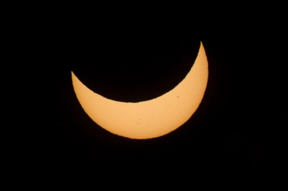 Djalomična faza pomrčine Sunca, snimljeno u Australiji, 2012.