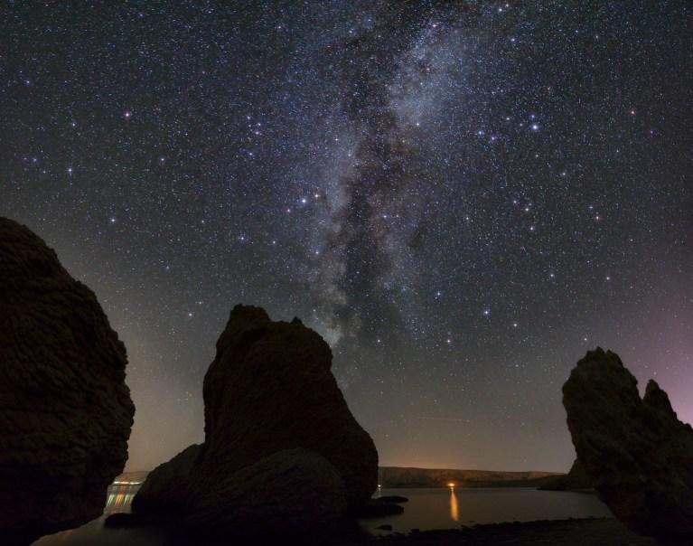 Metajna_plaza_Panorama1_zvijezde_mala
