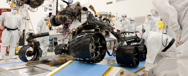 Il prossimo rover marziano della NASA atterrerà ai piedi di un rilievo stratificato all'interno del cratere Gale.