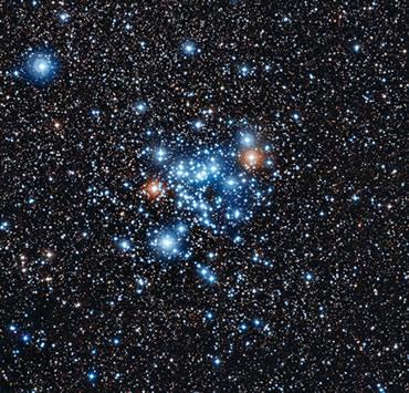 NGC 3766 Kümesindeki yıldızların 36'sının beklenmedik bir düzene sahip oldukları, yani parlaklıklarının normal  parlaklıklarının %0,1'i seviyesinde düzenli değiştiği ortaya konulmuştur. Bu değişimlerin periyodu iki ile 20 saat arasında ölçülmüştür.