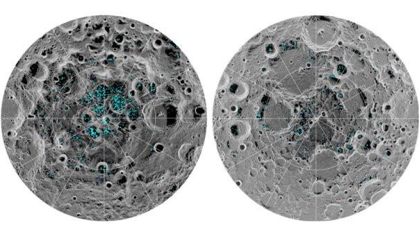 Soldaki Ay'ın güney sağdaki ise kuzey kutbu. Siyah alanlar krater gölgelerini ve açık mavi noktalar buzun olduğu yerleri gösteriyor. (NASA)