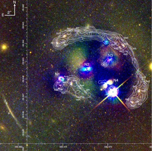 Οι ερευνητές Massey et al μελέτησαν έμμεσα τη συμπεριφορά της σκοτεινής ύλης παρακολουθώντας την ταυτόχρονη σύγκρουση 4 γαλαξιών στο σμήνος γαλαξιών Abell 3827, σε απόσταση 1,3 δισεκατομμυρίων ετών από τη Γη.