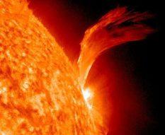 sun-big-solar-flare-100910-02