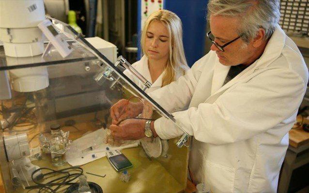 Σύστημα προώθησης για μικρούς δορυφόρους που χρησιμοποιεί νερό για καύσιμο
