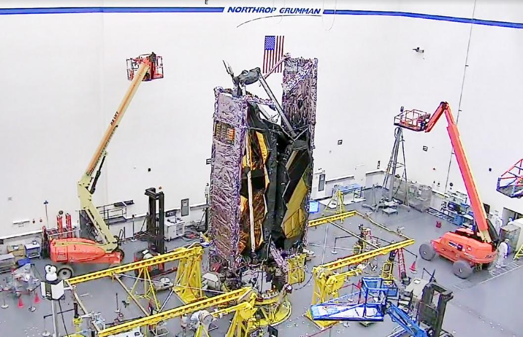 nor - Le télescope James Webb en configuration de lancement