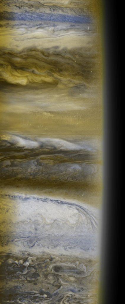 Visão vertical da imagem das nuvens jovianas capturadas pela New Horizons em 2007. Crédito: Johns Hopkins U. APL, SWRI