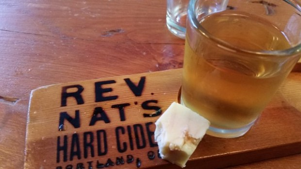 Reverend Nat's and Face Rock Creamery pairing. (Photo courtesy Watershed Communications.)