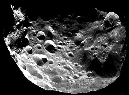 Febe: Luna de Saturno