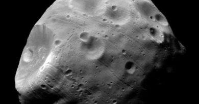 Deimos: Luna de Marte